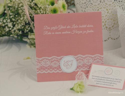 Hochzeitseinladung mit Spitze