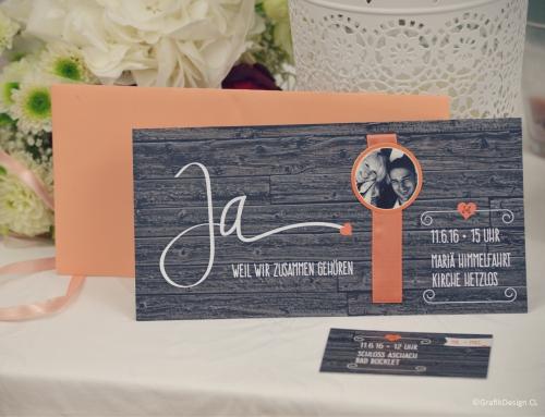 Hochzeitseinladung mit Holzeffekt